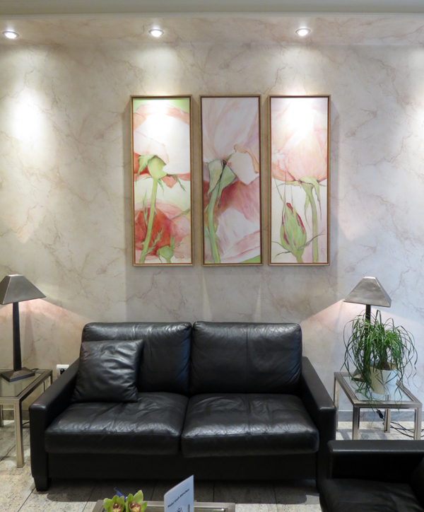 Триптих на холсте в оформлении офиса